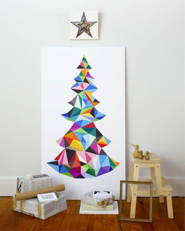 Moderne kerstboom in hippe kleuren.