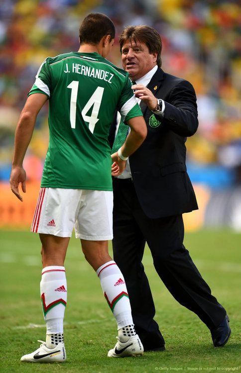 J. Hernandez and Mexico Coach Herrera