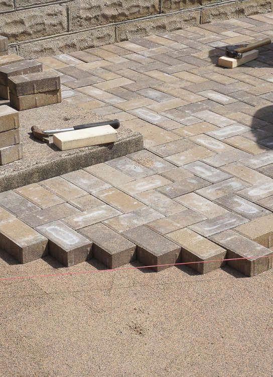 Diy Tips The Best Way To Lay A Brick Paver Patio Apartment