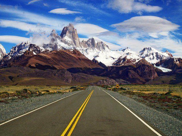 Road trip! L'itinéraire de la route nationale 40 : On la nomme le plus souvent la Ruta 40. Elle aussi traverse le pays du nord au sud, de la frontière Bolivienne, jusqu'à la pointe sud de la Patagonie. (5000km)