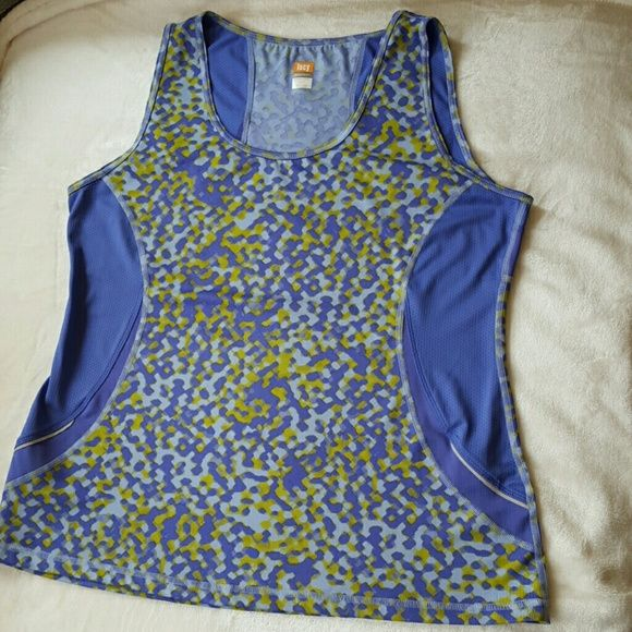 LUCY athletic tank Luck tank top with reflective details on the bottom Lucy Tops Tank Tops