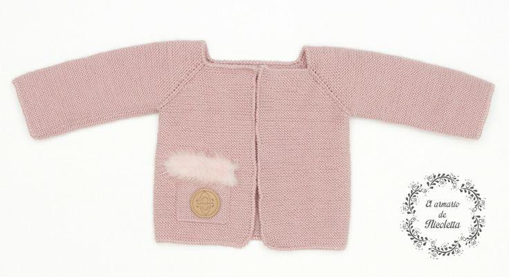 Cardigan rosa empolvado con detalle bolsillo en visón, de la marca Casilda y Jimena