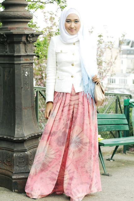 "is that pants?? stunning as always.. ""Cherry Blush by Dian Pelangi"""