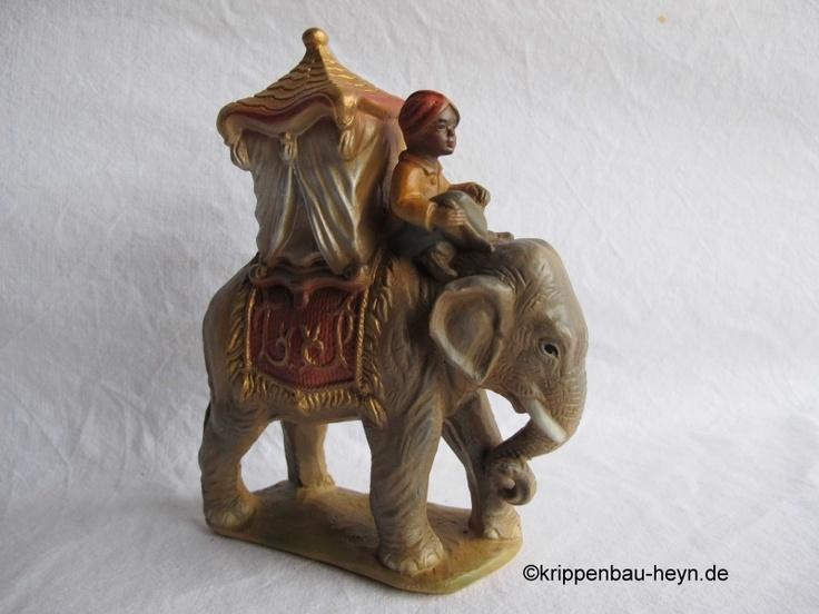 Unsere Gewinnspielfrage an Euch: Was schätzt Ihr wie hoch  unser Elefant mit seinem Reiter ist ?