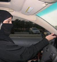 Arabistan'da Kadınların Sesi Sosyal Medya Oldu - Suudi Arabistan'da kadınlar otomobil kullanma hakkını sosyal medyada arıyor(...)