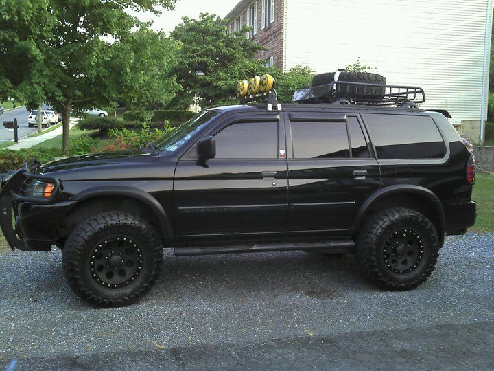 montero sport i wish mine looked this good trucks pinterest 4x4 mitsubishi pajero and cars