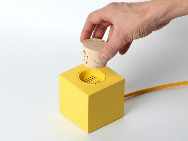 Homebuildlife -Design studio Skrekkøgle has developed a prototype DAB radio that uses the physical act of stopping a cork as its on/off mechanism. The project explores the idea of bringing tangible interaction back into the increasingly dematerialised appliance industry.