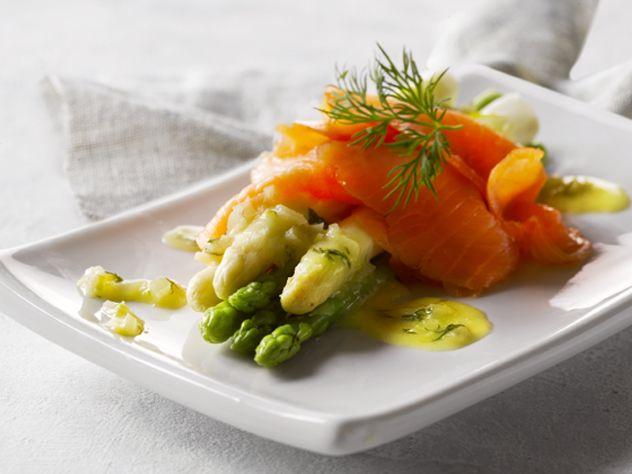 Laks og asparges med dild beurre blanc