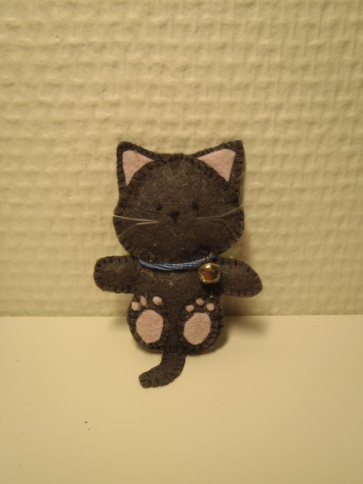 Felt kitten, Kattunge sydd i filt, etter ide fra Pintrest.