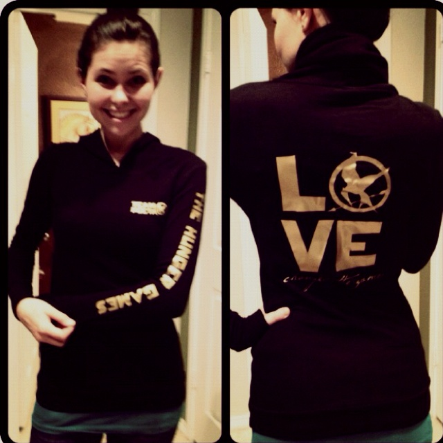"AWESOME HG Hoodie from Etsy seller ""DreamDesignShop""!!   It features ""Team Peeta"" on the front and ""Love Changed the Games"" on the back!!!! i want want want this!"