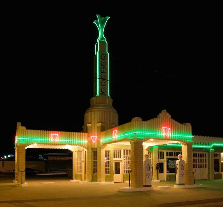 Tower Station & U-Drop Inn along old Route 66 in Shamrock, Texas
