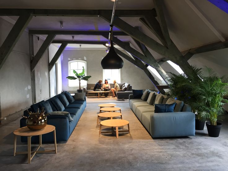 House Show Passe Partout 2017 #arsenaal #zetel #sofa #bankstel #living #passepartout #homedecoration #furniture #newcollection #2017 #cosyathome #home #hygge #sfeer #homestories #woonkamer #livingroom #stijl #style #woodenroof