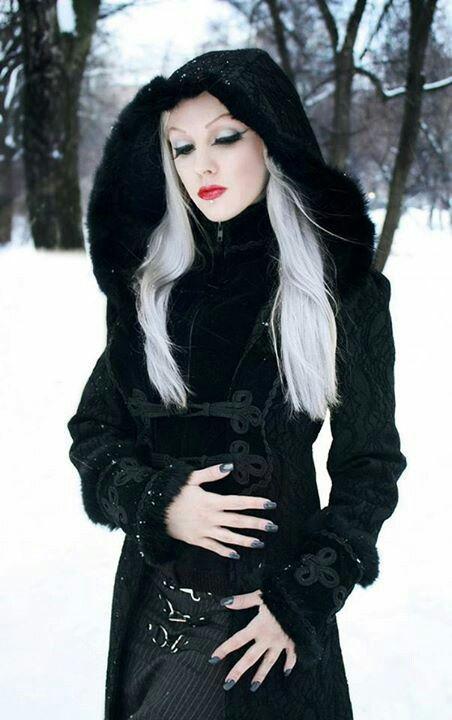 17 Best images about Darkly Gothic on Pinterest | Dark ... Gothic Vampire