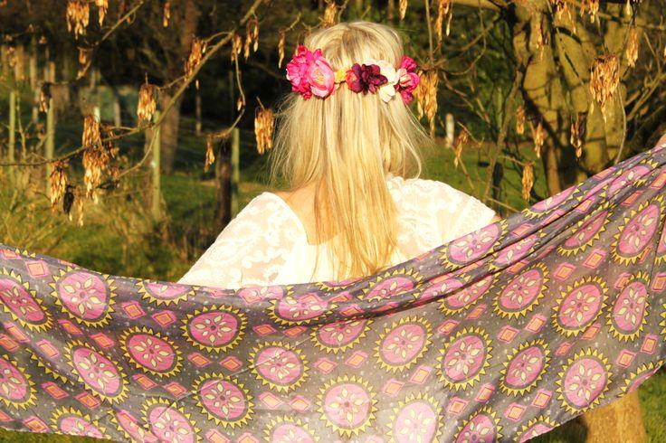 Ethno Schal & Haarband mit Blumen #boho #hippie #tuch #scarf #flowers #flowercrown #blumenhaarband