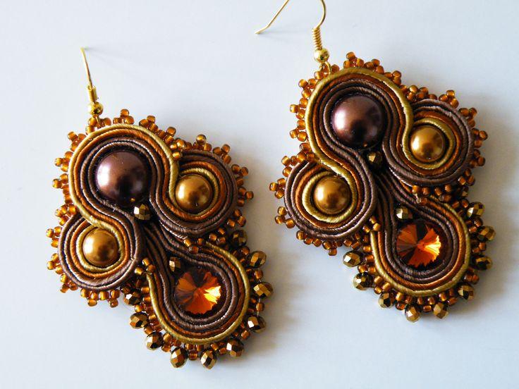 recchini Soutache color marrone-bronzo-oro con perle swaroski, cristallo Preciosa ambra, cristalli e perline.