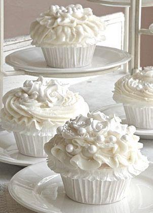 denim-and-chocolate:  #shades of white