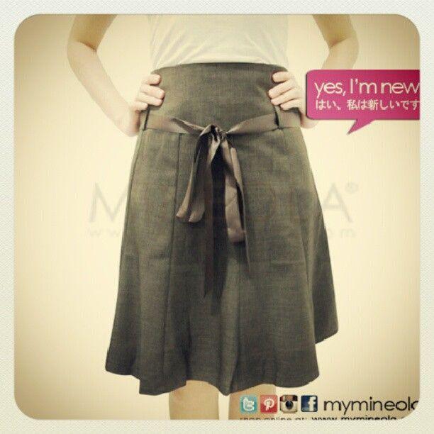 MINEOLA Ribbon belt skirt. Rp.215.000,-