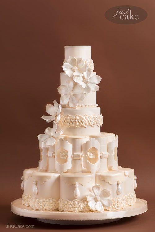 Custom Cakes by Marina Sousa