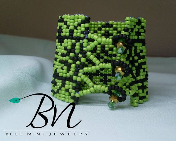 3mm beaded braceletlight green and matt black by LoretaBlueMint