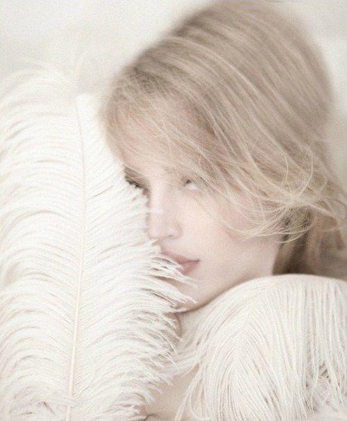 Soft Beautiful, White Hot, Whiter, Magazines 2009, Flaunt Magazines, Pale, Feathers Soft, White Tales, Nice Feathers
