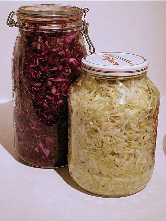 Sauerkraut in einem Glas selbst gemacht, ein tolles Rezept aus der Kategorie Herbst. Bewertungen: 198. Durchschnitt: Ø 4,6.