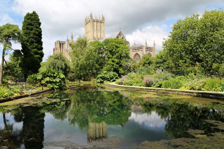 the wells at Wells Cathedral by Gen Ford