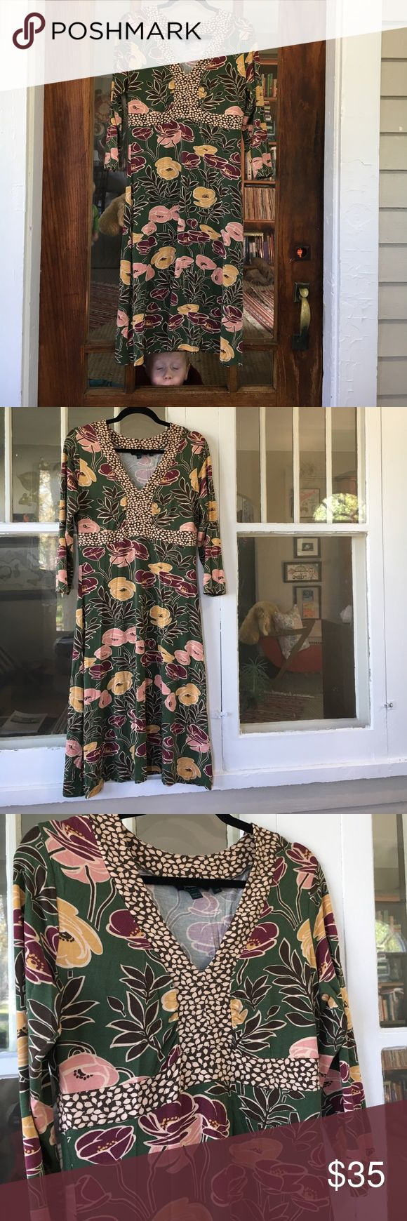Boden jersey dress Saufley flowing knit dress. Perfect colors for fall green, maroon, gold, pink, brown, cream. Three force links leave hits below the knee V-neck so lovely. Size 12 UK I love it's Lorali Gilmore vibe😆 Boden Dresses Long Sleeve