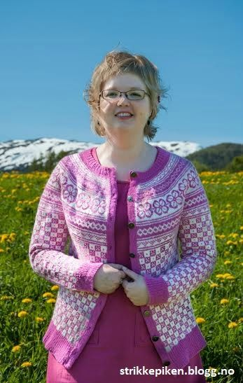 Bøvertun i rosa. Link til gammel  gratis Sandnesoppskrift: http://www.sandnesgarn.no/oppskrifter/bovertun