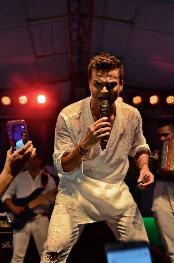 Silvestre Dangond canta 'Parrandas inolvidables' [Video] - Elpilon.com.co