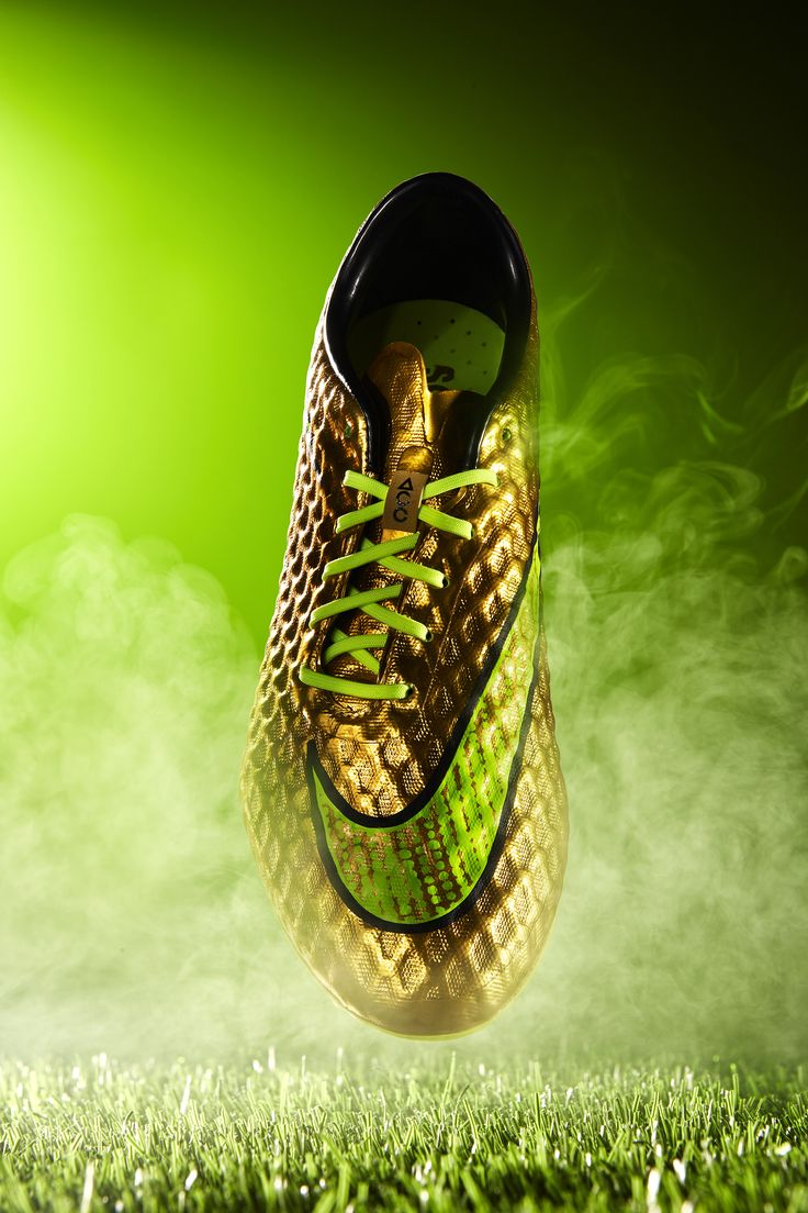 #commercial #photography #shoes #football #soccer #smoke #dynamic #nike #hypervenom #green #grass