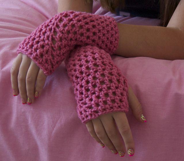153 Best Free Crochet Wrist Warmersmittensgloves Patterns Images