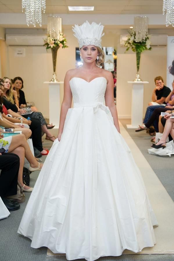 Elizabeth de Varga Kayla gown in silk dupion worn with @Shut The Front Door ❥ Bridal Accessories Maine feather crown