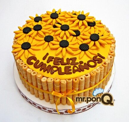 Mr.ponQ torta de girasoles bordeada con barquillos de vainilla