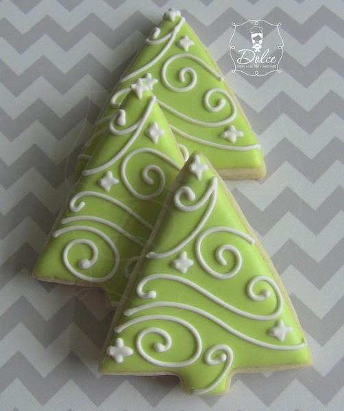 because these are cute green christmas tree sugar cookies