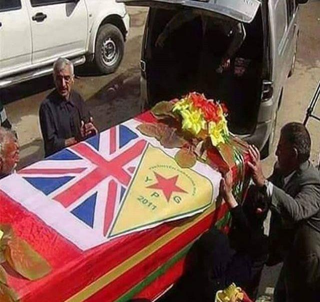 Warum haben diese Terroristen deutsche englische griechische amerikanische armenische Flaggen?!?! #YPG #PYD #PKK #Terror #Terroristen