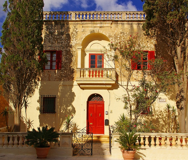 Red House - Mdina, Malta: Red Doors, Fave Places, Double Doors, Mdina Malta, Beautiful Malta, Malt Balconies, Red Houses, Malta Mdina, Photo