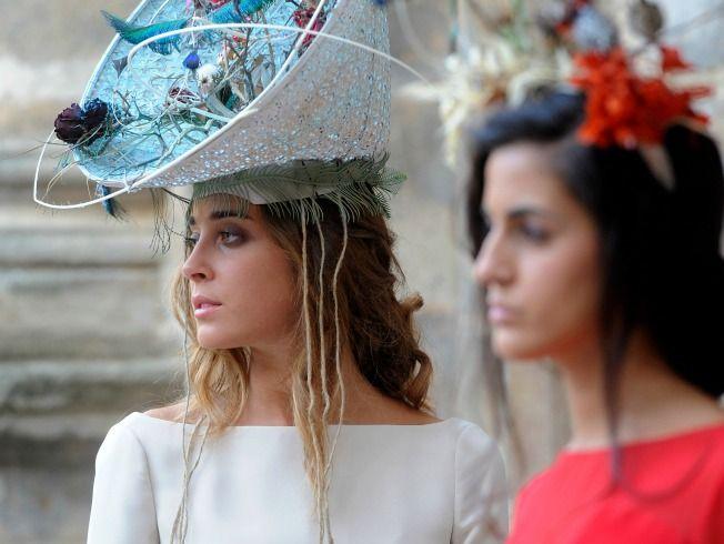 En el monasterio de San Jerónimo (Sevilla) ha presentado Iván Campaña su colección de vestidos, Ella, dentro del evento Photoquivir 2015