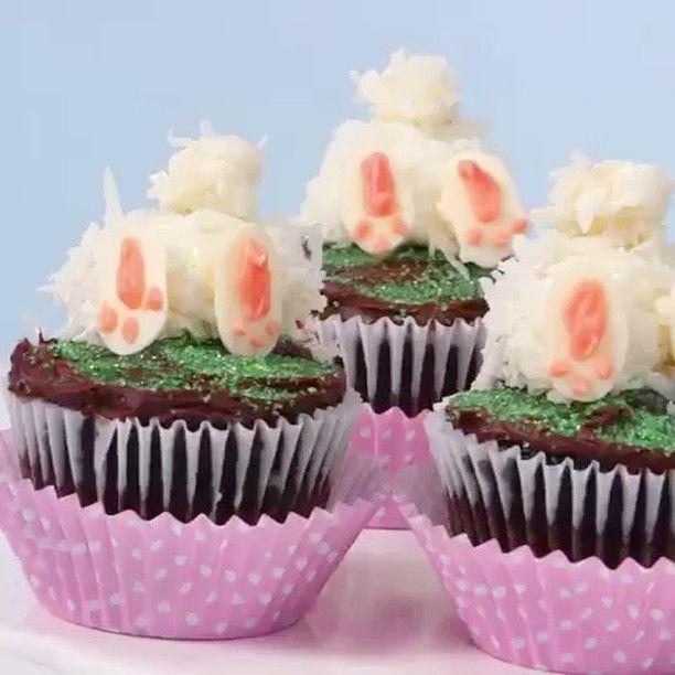 """222 curtidas, 6 comentários - @recebercomcharme no Instagram: """"Achei muito fofo este cupcake que encontrei no """"Southern Living Magazine"""". Uma ideia divertida para…"""""""