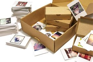 Prinstagram Memorybox - print all your instragrams in an organized box, starts at $25/100 prints. Awesome.