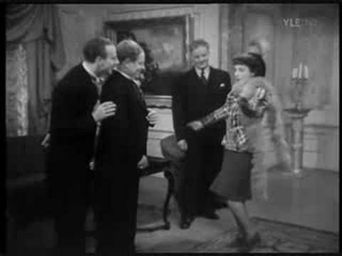 Birgit Kronström - Katupoikien laulu 1941