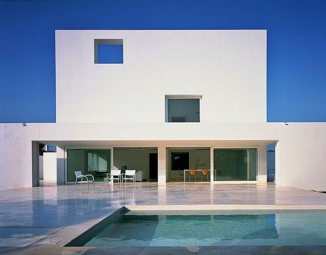 Modern House Design : Asencio House / Alberto Campo Baeza See Also:  Campobaeza.com