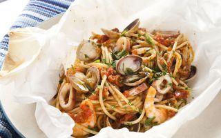 Spaghetti ai frutti di mare al cartoccio