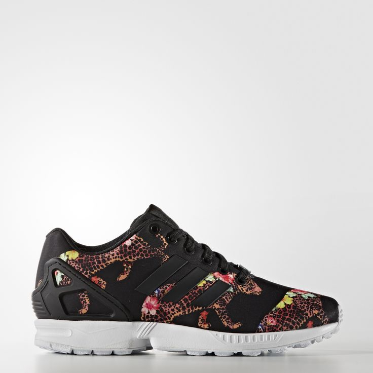 adidas Originals comes together with Brazilian trendsetter The FARM Company to give a graphic update to the ZX Flux sneakers. These women's shoes showcase the clean look of the ZX design. For a fresh take, the mesh upper shows off a puff print inspired by the vibrant flora and fauna of Brazil.