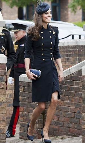 K-Middy rocks the Military trend: Alexander Mcqueen, Military Style, Kate Middleton, Recipes Books, Classy Dresses Military, Catherine Zeta-Jon, Cookbook Help, Books Review, Military Inspiration Jackets