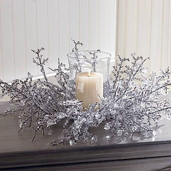 This Ice Crystal Centerpiece with Glass Globe will add a magnificent touch to your holiday decorations.  Use this centerpiece to create a fabulous display.