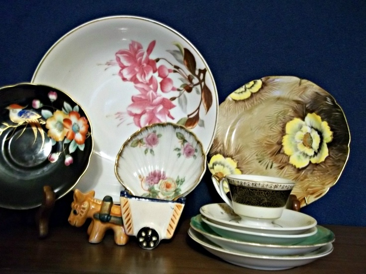 Occupied Japan era (1947-1952) hand-painted porcelain plates from Ardalt Occupied Japan factories, Aladdin Occupied Japan factories, Berkshire China, Saji Occupied Japan and Noritake.