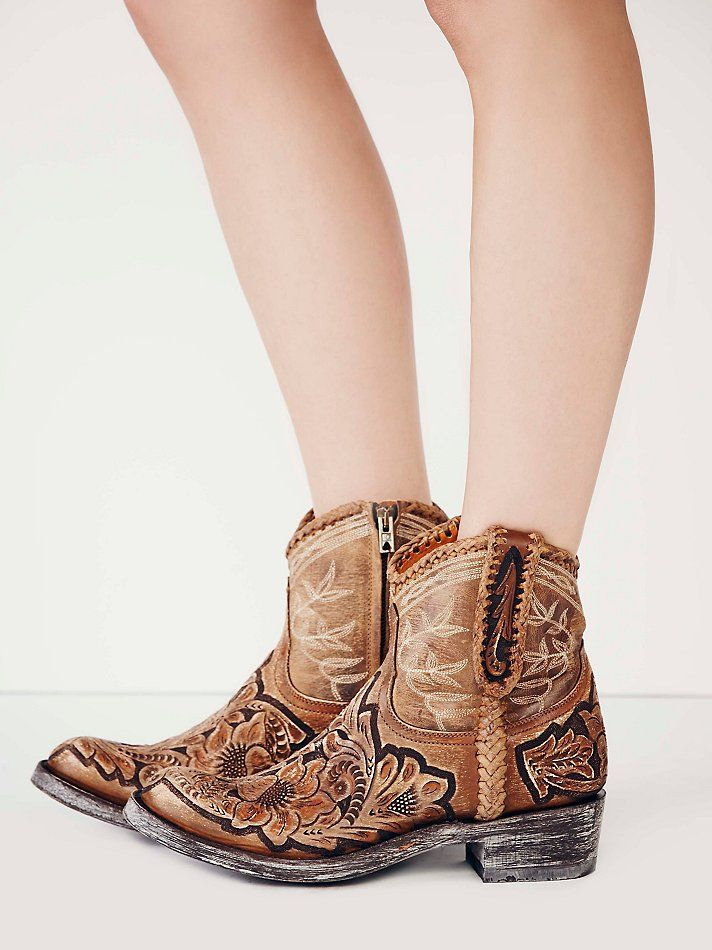 ow ow! and they're ONLY 800 bucks. excuse me while i go throw up.