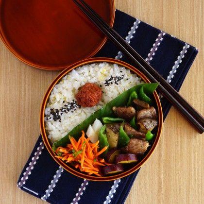 Stir-fried veggies & beef bento・牛肉とピーマンとエリンギの炒め物弁当