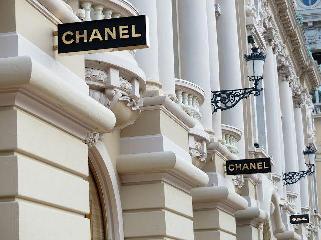 Luxury Fashion Items: Splurge Or Resist The Urge? | Fashion Mama Aquarius | Bloglovin'