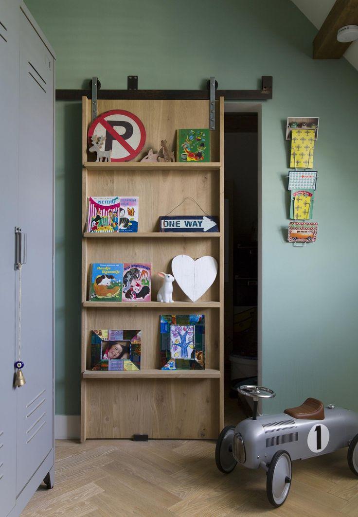 Wooden cabinet as sliding door | Styling Leonie Mooren | Photography Anouk de Kleermaeker | vtwonen August 2015